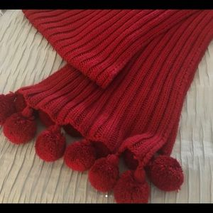 VS MODA INTERNATIONAL Cable Knit Red Winter Scarf